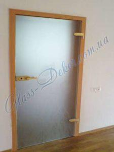 Матовая дверь из стекла